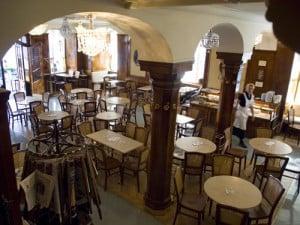 Tomaselli2 300x225 - Places To Imbibe In: Café Tomaselli: Salzburg, Austria