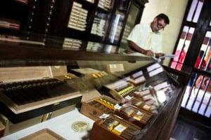 Edit Cuba2011 154 300x200 - Smoking Cigars in Cuba