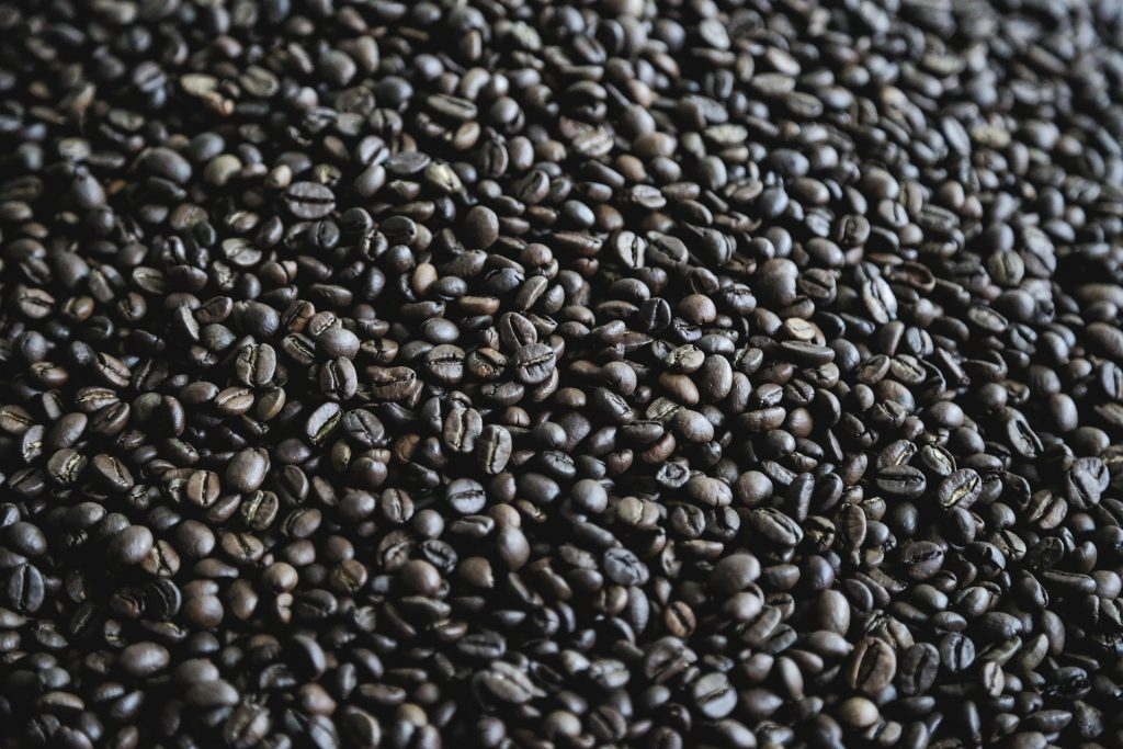 Dark roasted coffee 1024x683 - Newsbite: Pore Over What Drinking Only Coffee and Tea All Day Does to Your Body