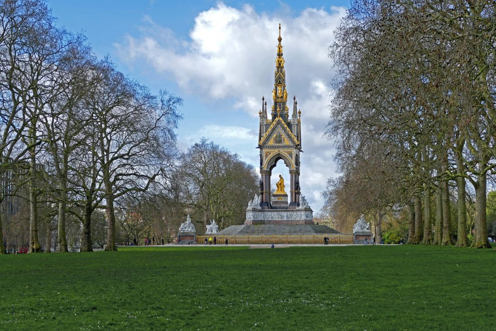 Park Grand London Hyde Park 1024x683 - A Stroll Around London's Beautiful Hyde Park