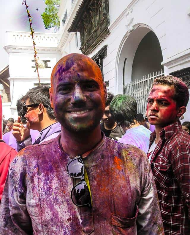 Holi - Travel with confidence