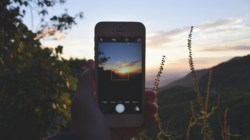 How to pick a good phone for traveling