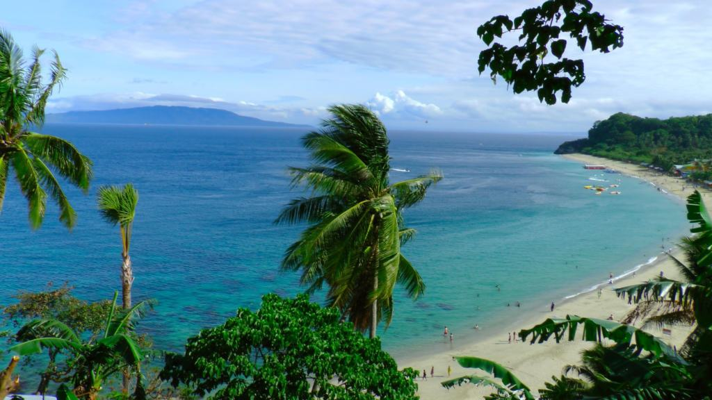 aspiringgentlemancom puerto galera1 5767d123cf85d 1024x576 - 5 Best Beaches In The Philippines You Will Love