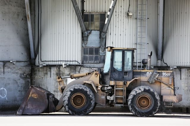 construction tractor excavator site - How to Get the Best Deals When Buying an Excavator from an Auction