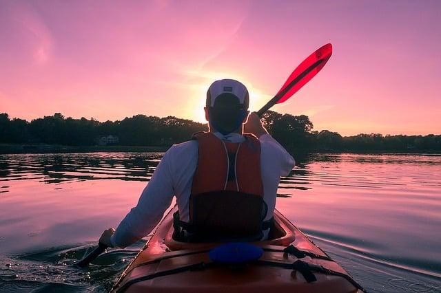 kayaking 1149886 640 - 5 Romantic Activities to do in Fiji