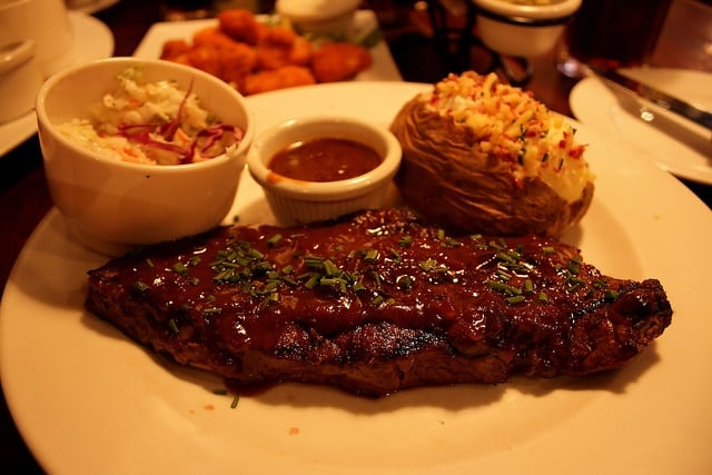 5064592963 3a741e40cf z - 8 Mouth Watering Ribs Recipes
