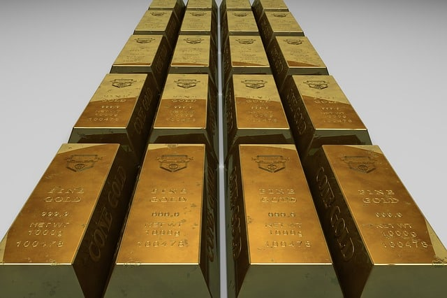 gold bullion 163553 640 - A Closer Look at The Advantages Of Purchasing Gold Or Silver Bullion
