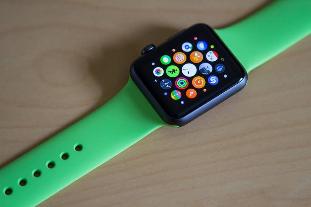 23472 Apple Watch 1024x683 - 3 Watches That Every Man Should Wear