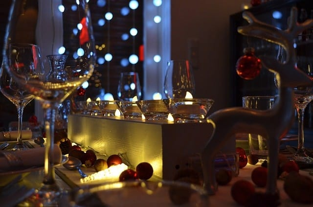christmas dinner 1003539 640 - Romantic Winter Date Ideas Your Sweetheart Will Adore
