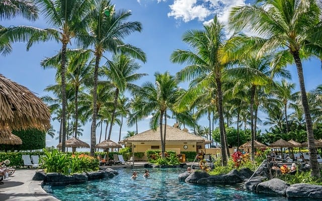 hawaii 1037043 640 - Fly South for the Winter to One of These Warm Weather Destinations