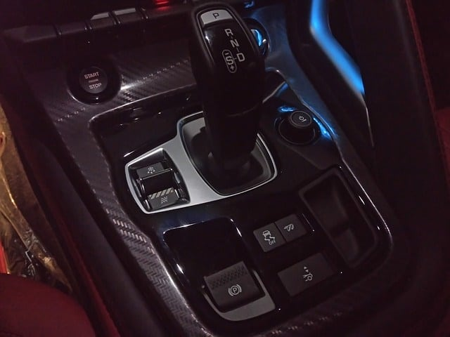 jaguar 1646501 640 - Automatic Vs Manual Shifting:The Pros And Cons