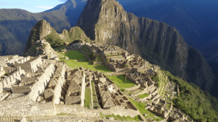 Travel In The Footsteps of Emperors, Kings and Kingmakers