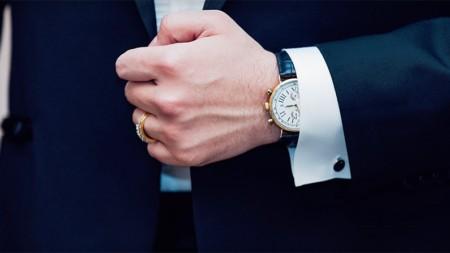 How to Choose a Watch as a Gift for an Aspiring Gentleman