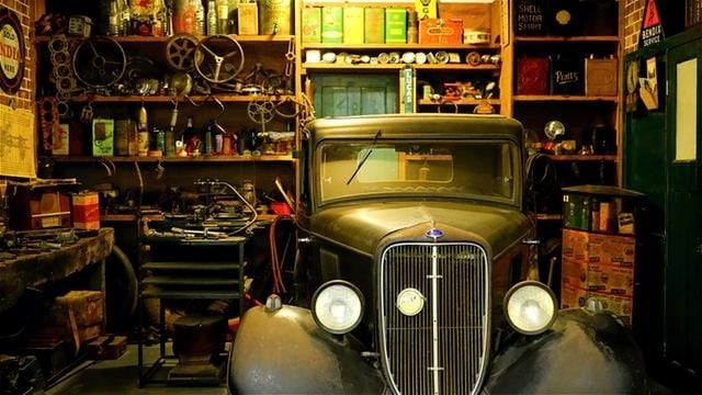 Classic Cars: The Pros, Cons, and Cool Factor