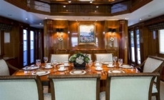 Own Hatteras perfection with M/Y NICOLE EVELYN for sale