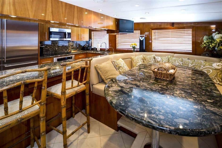 3 2 - Own Hatteras perfection with M/Y NICOLE EVELYN for sale