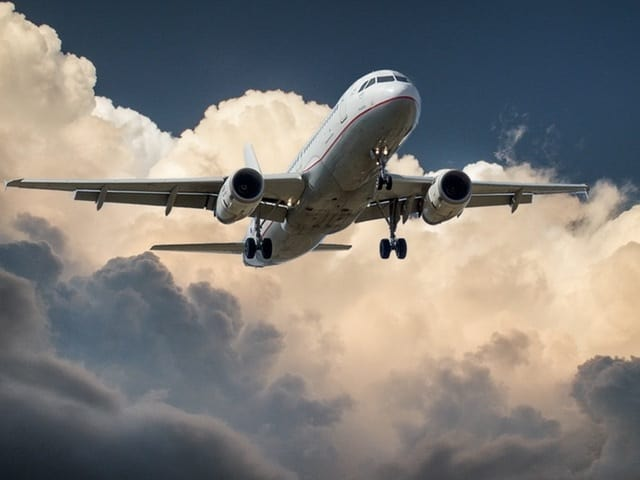 aircraft jet landing cloud 46148 - Luxury Travel for the Business-Minded Individual