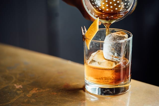 alcoholic 1850052 640 - 7 American, Canadian, And Japanese Whiskeys To Sip This Fall