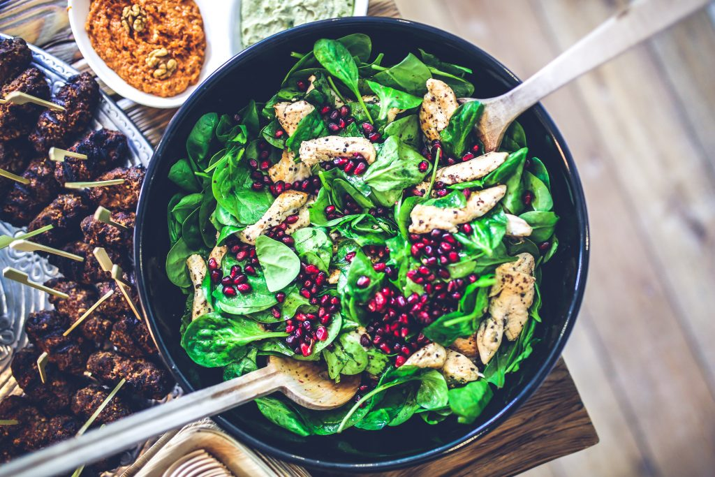 spinach chicken pomegranate salad 5938 1024x683 - March 2018 Food Insight Newsletter