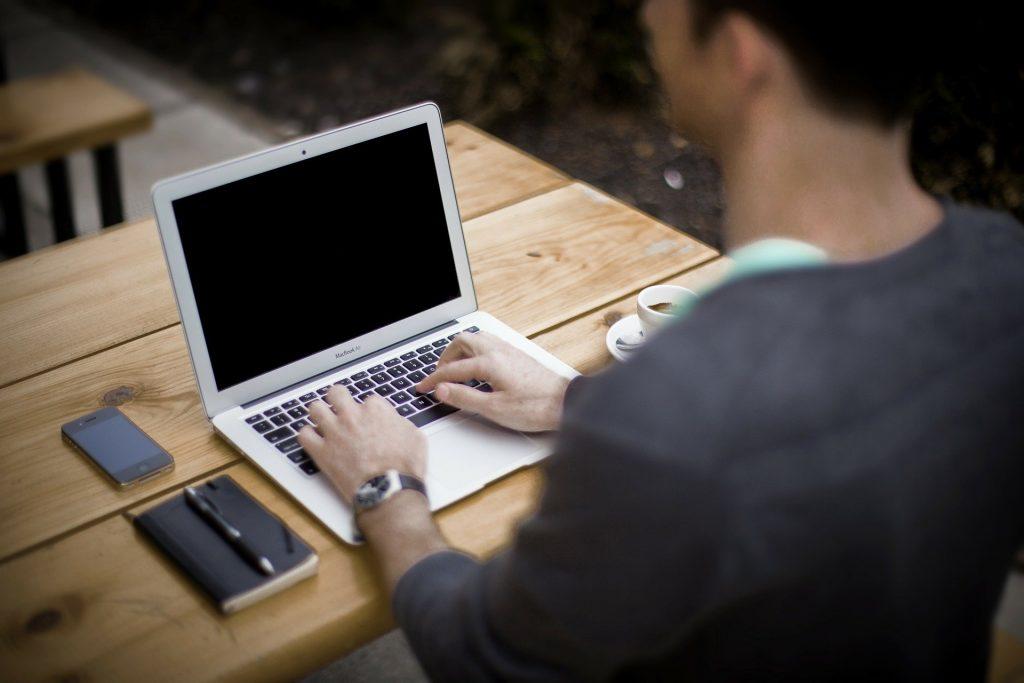 blogging 336376 1920 1024x683 - 5 Ways to Make 1000 Dollars Fast