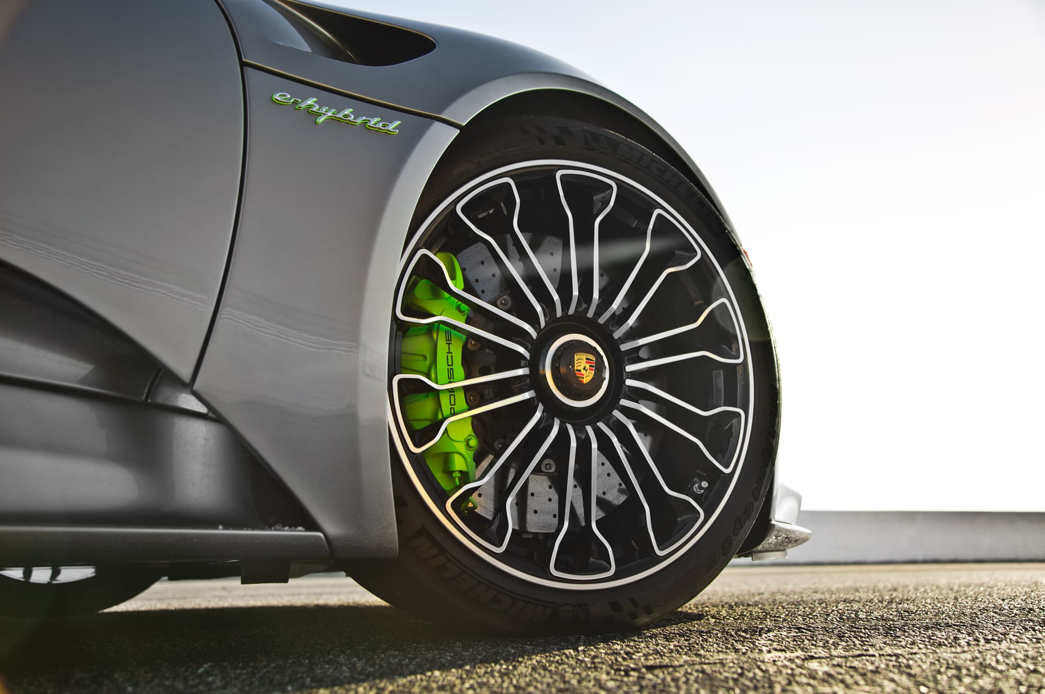 2015 Porsche 918 Spyder wheels - Five Ways to Customize your Car Without Looking Cheap