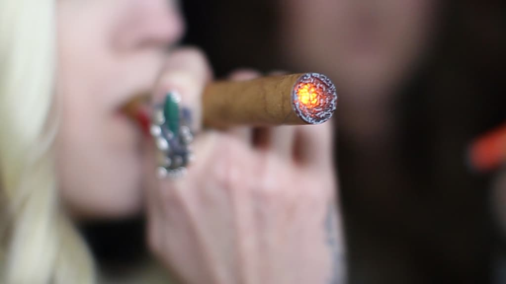 Still0048 cool 1024x576 - Why Cigar Fans are Switching to E-Cigars