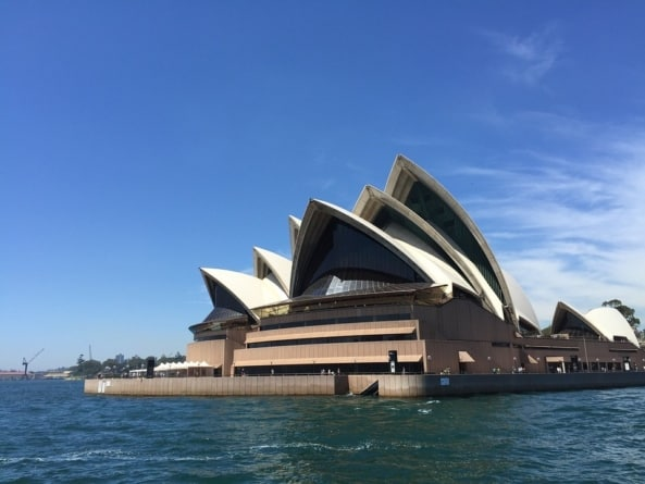 Visiting Australia on a Budget? Here are 8 Steps to Make Your Travel Dream Come True