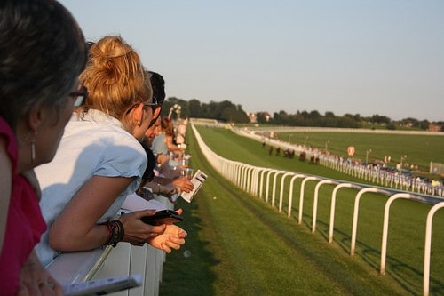 cc 1 - What to Expect from your Day at the Races
