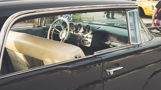 2 - Things to Consider When Buying a Vintage Car Online