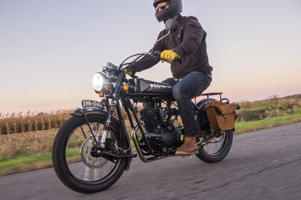 halcyon vintage motor cycles 1024x683 - MODERN VINTAGE MOTORCYCLES