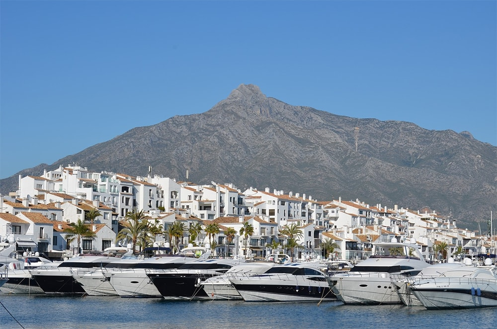 amazing villas in marbella - 5 things you need for the full Marbella experience