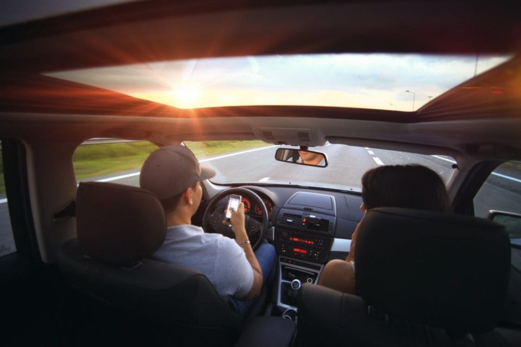 Go Hands Free 1024x683 - Tips to Reduce Distractions While Driving