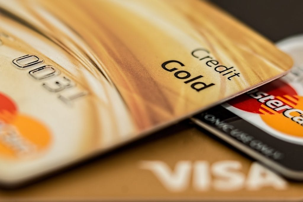 Credit Cards 1024x682 - Men: Here's What Women Will Think Your Credit Card Says About You