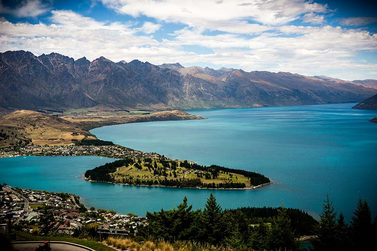 Queenstown New Zealand - 6 Best Adventure Places to Visit in the World