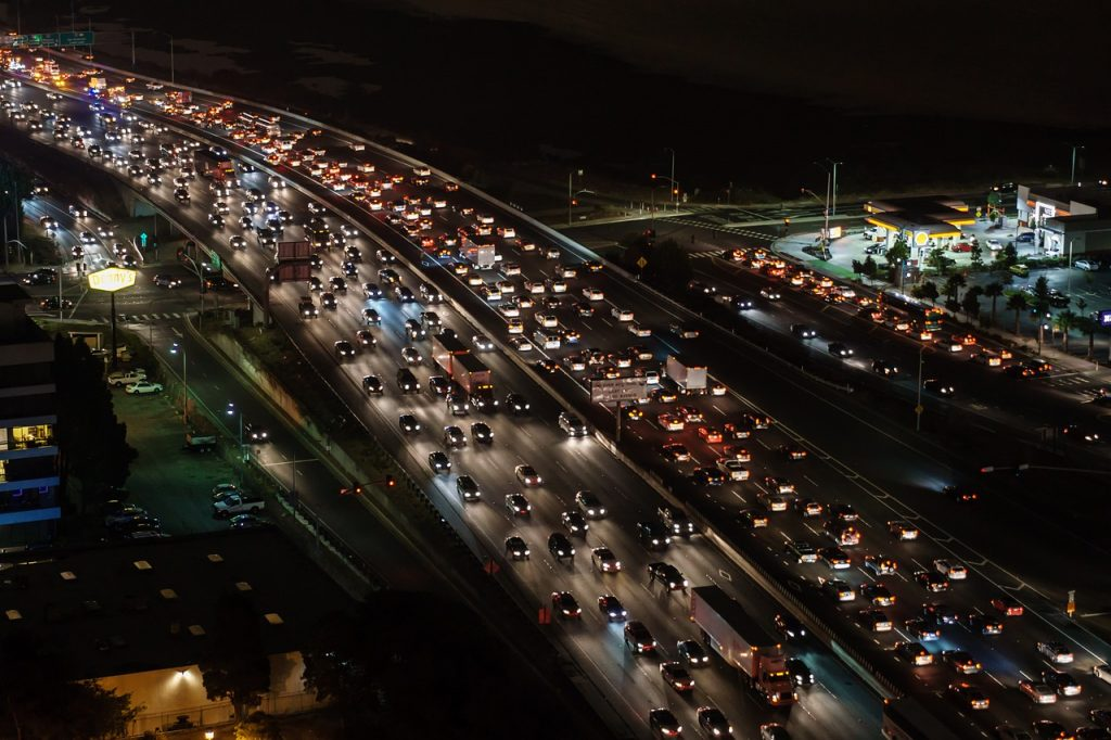 traffic jam 1024x682 - Living In The City Vs. Living In The Suburbs: Pros And Cons