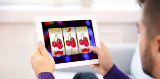 Playing Mobile Casino