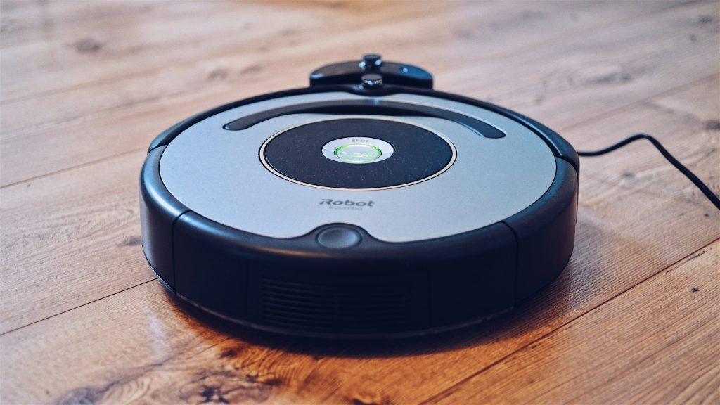 Robot Vacuum 1024x576 - Best Holiday Gift Ideas