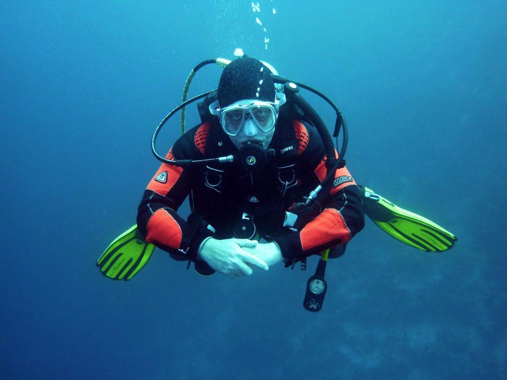 Scuba diver 1024x768 - Top 6 places to visit in Pondicherry
