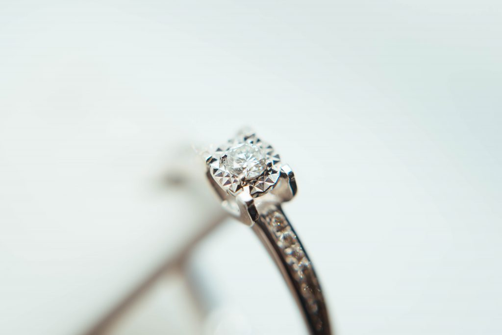 Diamond engagement ring 1024x684 - Make a Marriage Proposal like a Gentleman