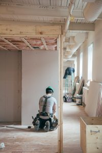 general contractor 200x300 - How Do I Deal With A General Contractor?