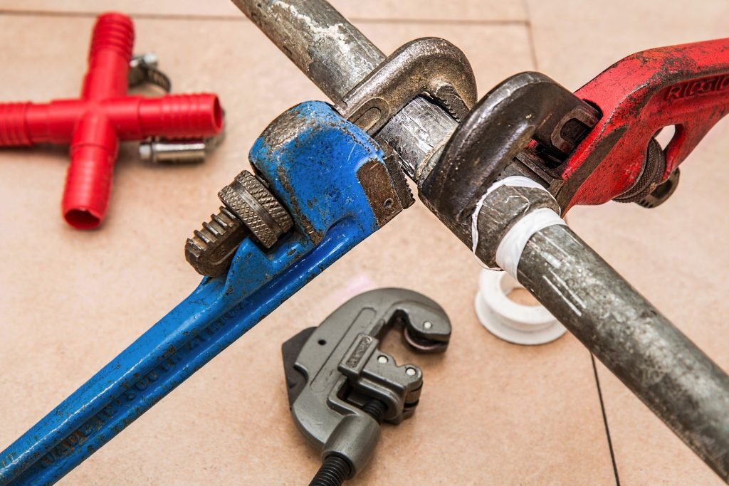 plumbing leaking pipes 1024x683 - Top 10 Plumbing Issues You May Encounter