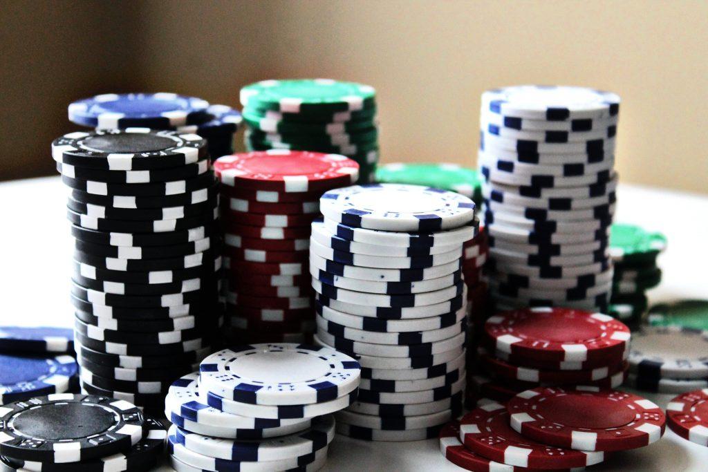 Free Cash Bonus 1024x683 - Online Casino Free Spins and Cash Bonus