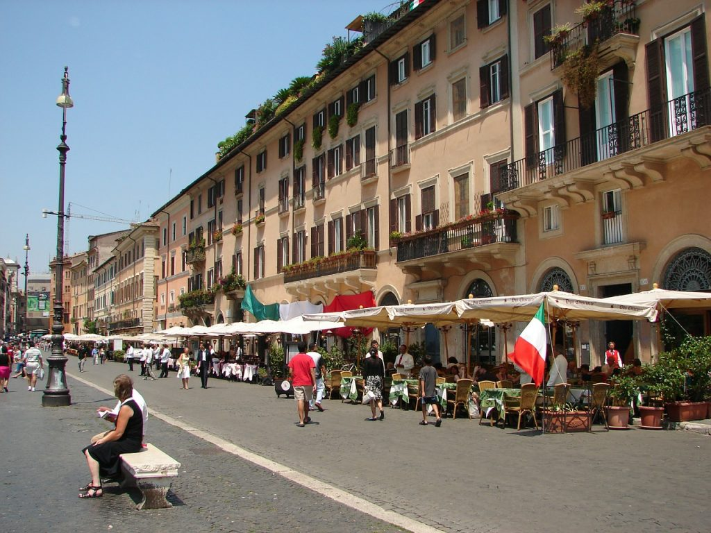 piazza navona 433415 1280 1024x768 - Top European Cities to Visit As A Couple in 2020