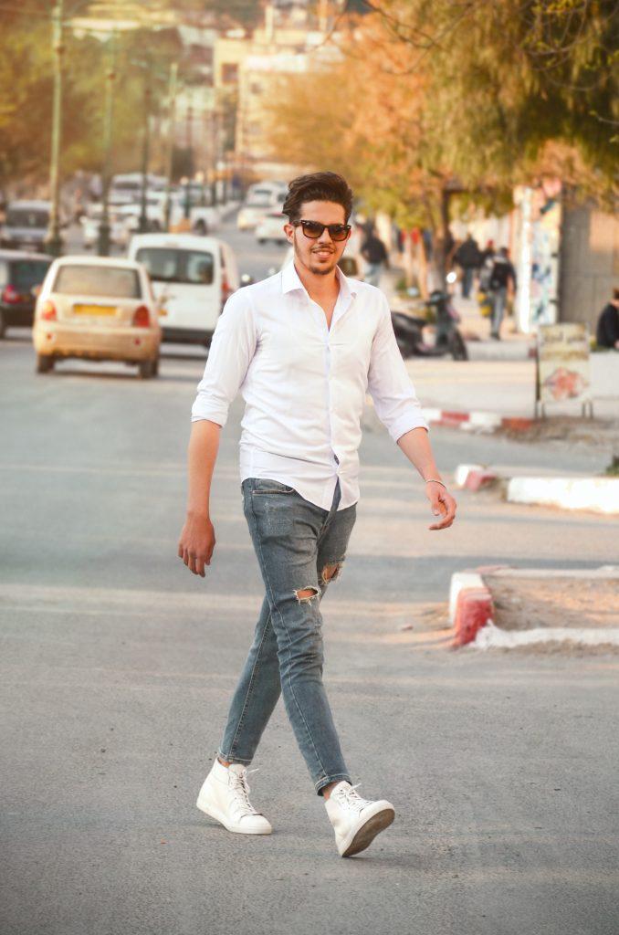 Mens Casual Fashion 678x1024 - How to dress fashionably on a budget