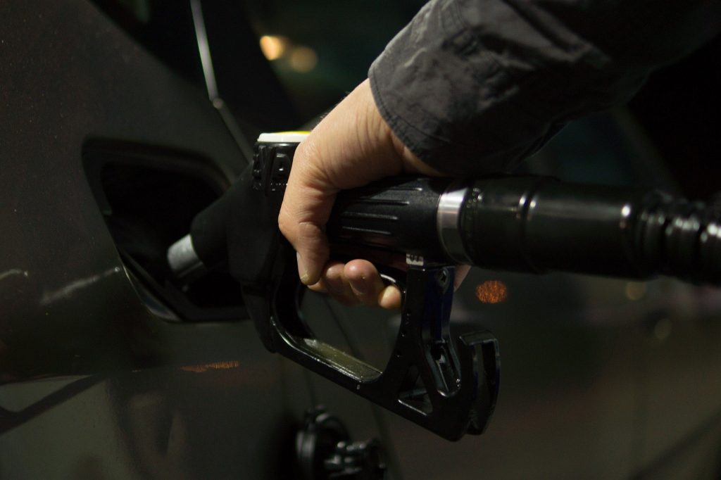 Reasons to Use a Fuel Card  1024x682 - Reasons to Use a Fuel Card Instead of Cash or Credit