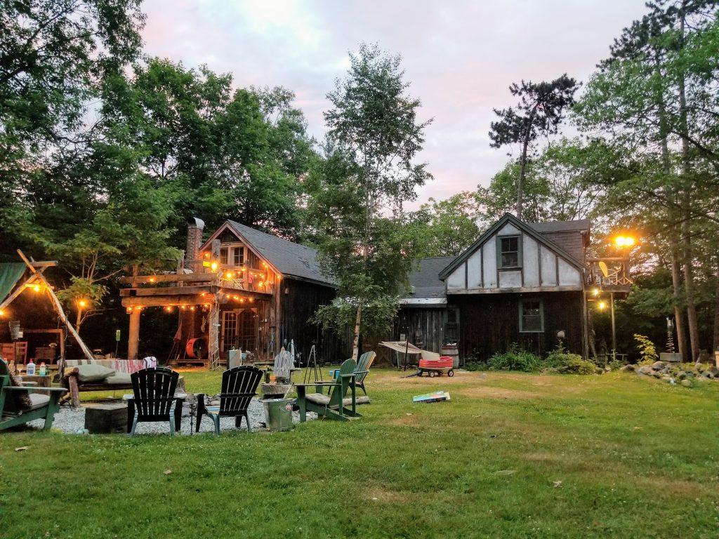 Backyard seating 1024x768 - 5 Backyard Improvement Ideas