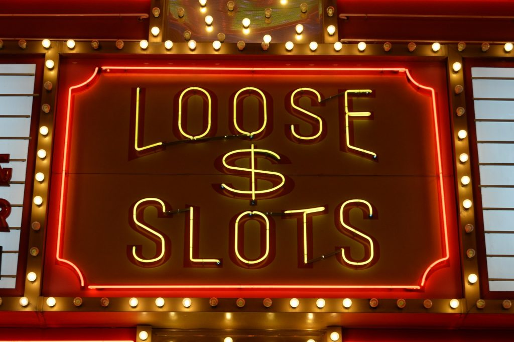 Playing Online Slots 1024x681 - Tricks Japanese Players Must Know When Playing Online Slots