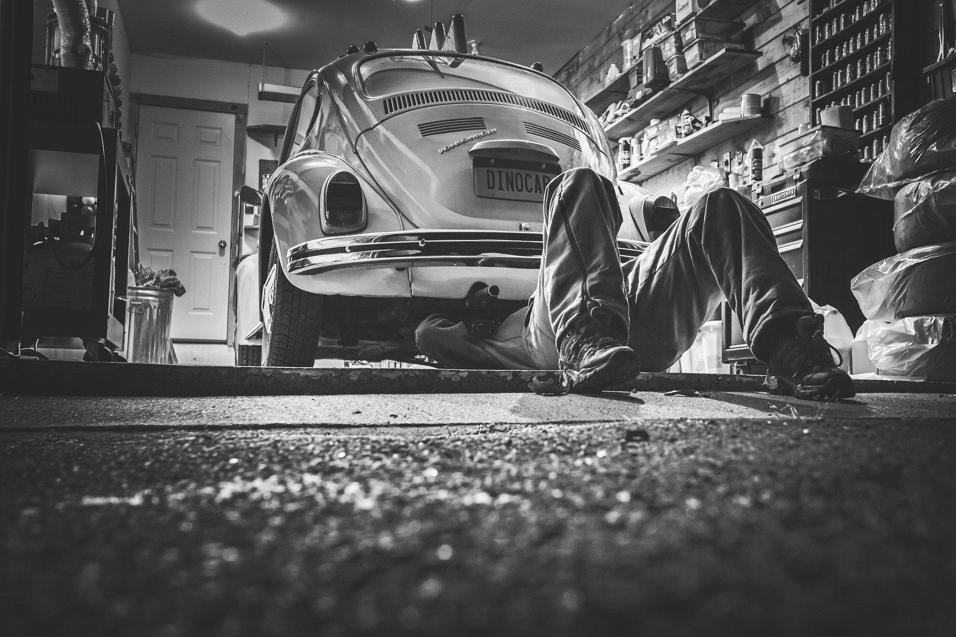 Set Up a Car Workshop in Your Garage