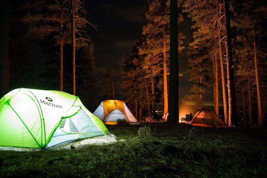 camp 2587926 1280 1024x682 - 7 Must-Haves for the Outdoorsman-in-Training