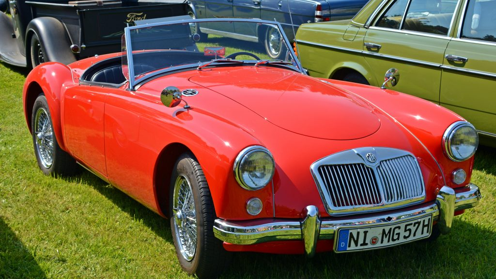 red Oldtimer Mg Auto 1024x576 - A classy ride-guide: the MG MGB